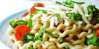 Tomato broccoli pasta Easy Food