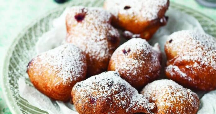 Blueberry fritters Easy Food