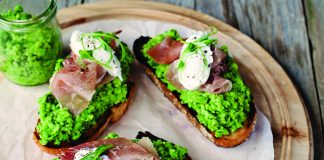Smashed pea toasts Easy Food