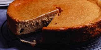 Peanut butter cheesecake Easy Food