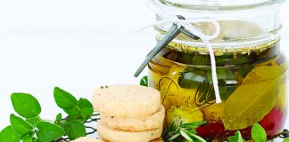 Marinated goats cheese gift Easy Food