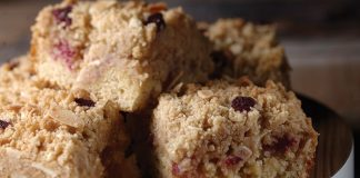Raspberry almond crumble bars Easy Food