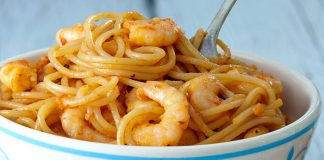Arrabiata with prawns Easy Food