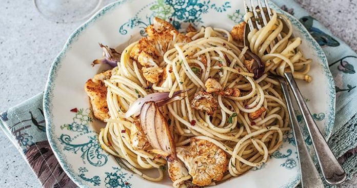 Spicy cauliflower spaghetti Easy Food