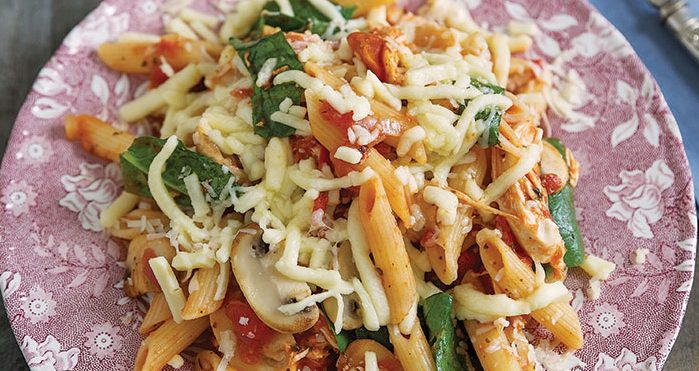 Slow-cooker cheesy chicken pasta Easy Food