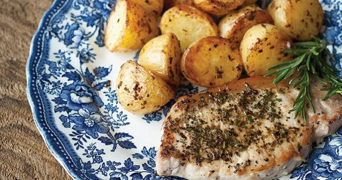 Rosemary pork chops and potatoes Easy Food