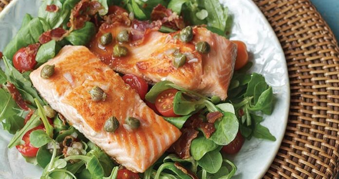 Salmon BLT salad Easy Food