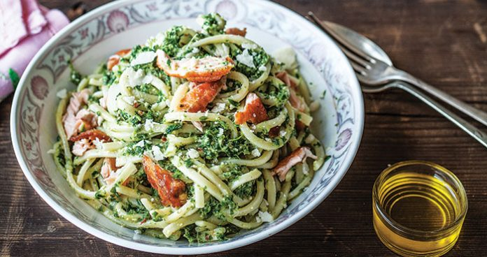 Salmon spaghetti with kale pesto Easy Food