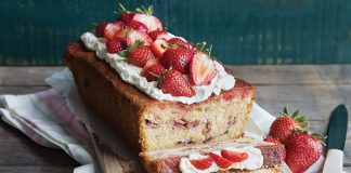 Strawberry orange drizzle cake | Easy Food