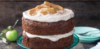 Apple cake with cinnamon cream icing