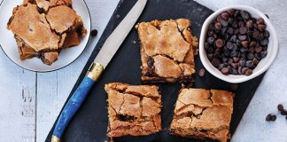 Chocolate chip blondies Easy Food