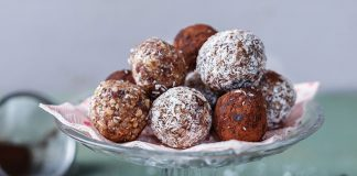 Nut and date energy balls