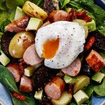 Warm breakfast salad bowls with poached eggs Easy Food