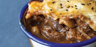 Beef and stout pie. Easy Foods