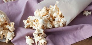 Parmesan popcorn. Easy Food