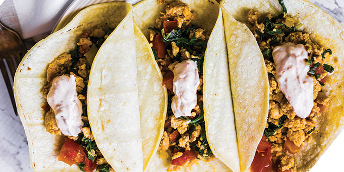 Chicken tacos with chilli cream sauce. Easy Food