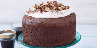 Gluten-free chocolate hazelnut cake Easy Food