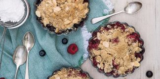 Forest fruit crumble Easy Food