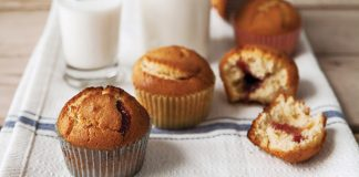 Peanut butter jelly muffins Easy Food