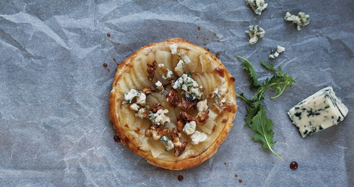 Blue cheese walnut pear tart Easy Food