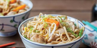 Quick chicken chow mein Easy Food