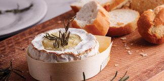 Baked Camembert Easy Food