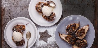 Baked pears with Christmas cake crumble Easy Food