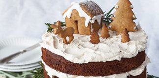 Gingerbread cake with cinnamon buttercream Easy Food