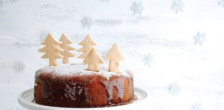 Sticky toffee Christmas cake Easy Food