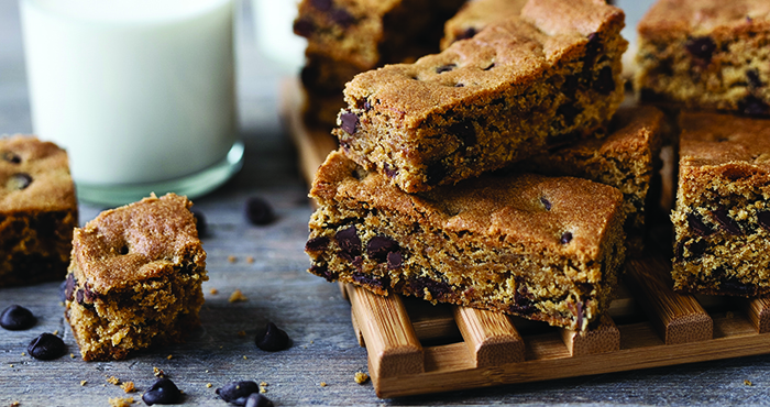 Chocolate chip cookie bars easy food