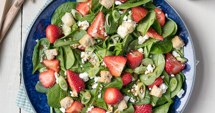 Strawberry Spinach Salad easy food