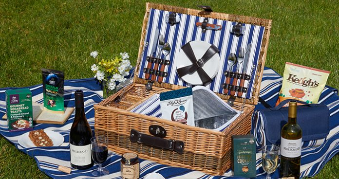 Classic Picnic Basket For Four easy food