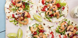 Prawn_tacos_with_Mexican_Yogurt_Easy