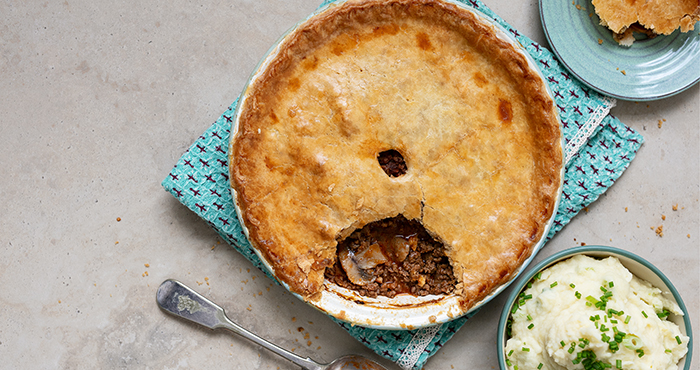 Minced beef and onion pie_Easy Food