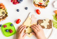 School lunch box for kids. Easy Food