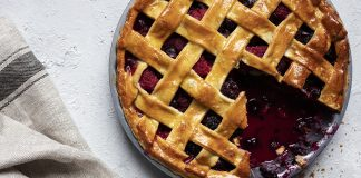 Triple_Berry_Pie_Easy food