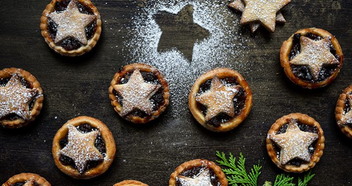 MInce Pies Easy Food Christmas Annual 2019