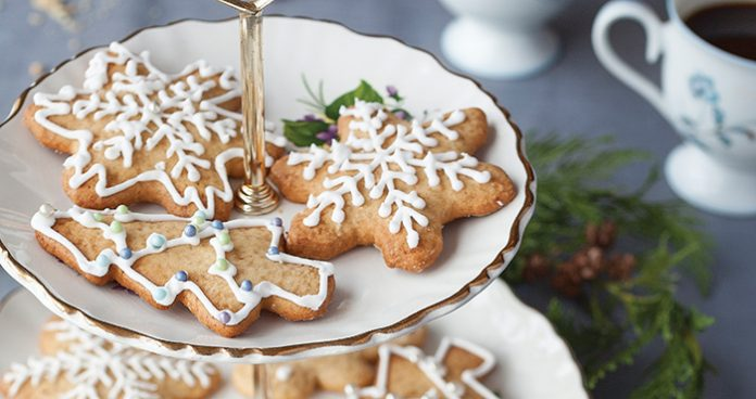 Gingerbread_cookies-Easy Food