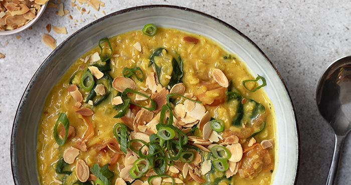Coconut and spinach dhal lentils Easy Food