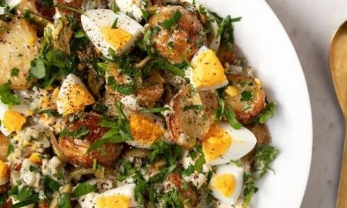 Roasted potato salad with egg and pickle dressing_easyfood