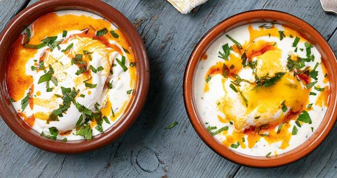 Turkish_Poached_Eggs- Easy food