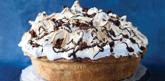 Brownie meringue pie