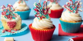 4th July firecracker cupcakes_Dr Oetker_easyfood