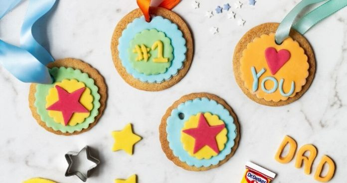 Fathers day medal biscuits_Dr Oetker_easyfood