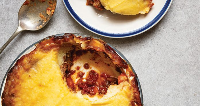 slow-cooked shepherds pie with garlic mash EASY FOOD