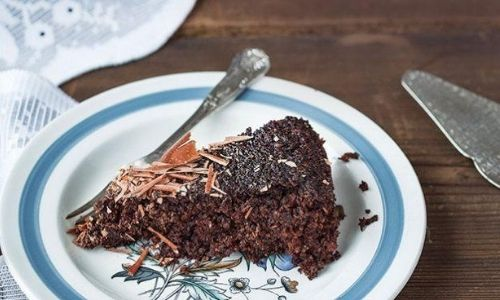 Vegan chocolate and red wine cake_easyfood