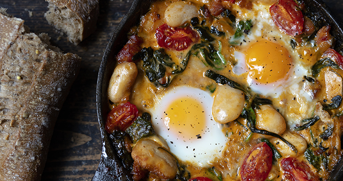 One pan beans with eggs, spinach and bacon Easy Food