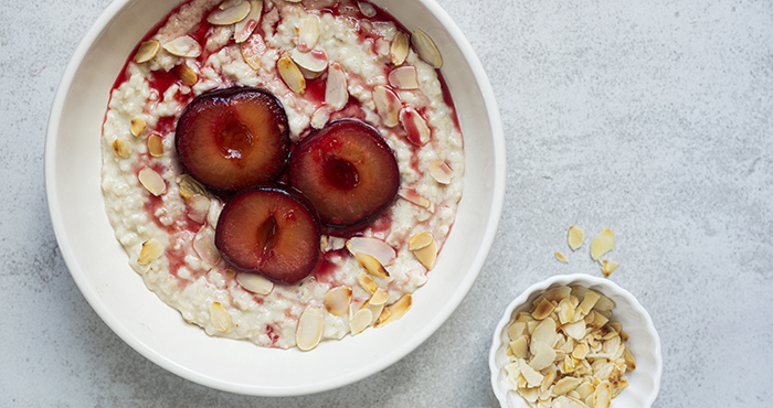 Issue 152 January 2021 Easy Food Plum Porridge