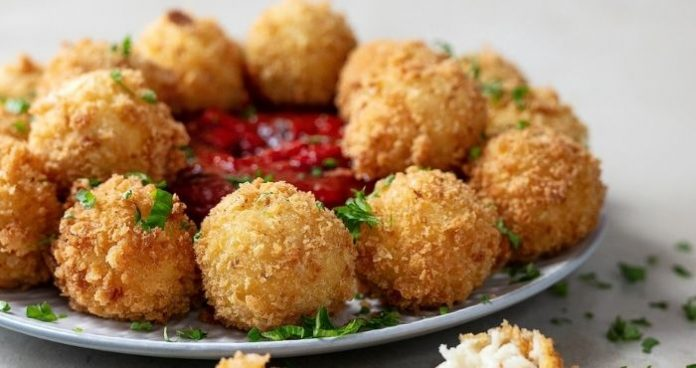 Serrano ham and Manchego croquettes easyfood christmas