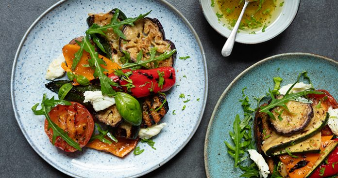 Ratatouille_salad_Mozzarella_Garlic_Toasts